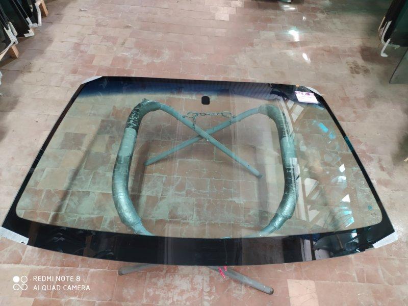 Стекло лобовое Subaru Legaсy 1998