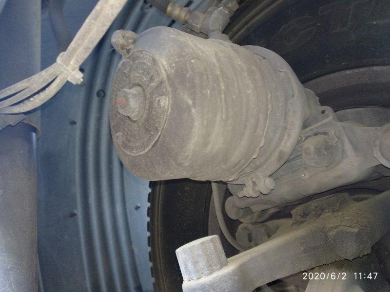 Энергоаккумулятор Scania 4 Series DT12 14 L01 20051031 передний правый (б/у)