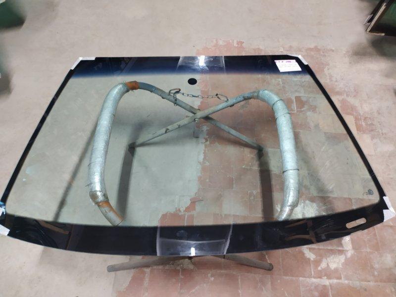 Стекло лобовое Skoda Fabia 2000
