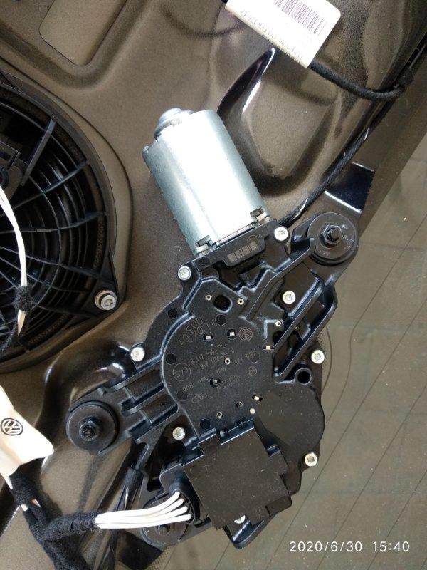 Мотор дворника Volkswagen Golf VI CAXA 2008 задний (б/у)