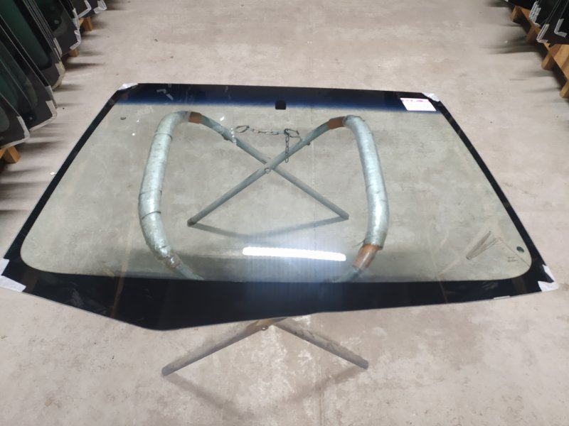 Стекло лобовое Mitsubishi Lancer Ix . 2000