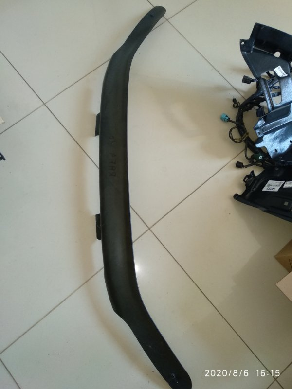 Дефлектор капота (мухобойка) Toyota Rav4 XA10 (б/у)