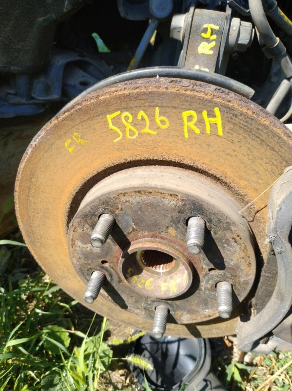 Тормозной диск Toyota Noah ZRR70G 3ZR FE 2007 передний правый (б/у)