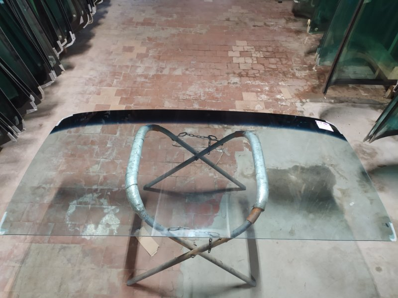 Стекло лобовое Hino 500 Y70 2001