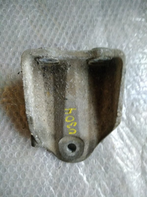 Кронштейн опоры двигателя Nissan Teana J32 VQ35DE 2007 правый (б/у)