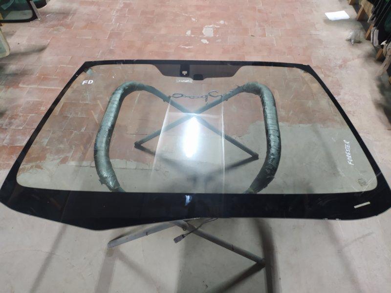 Стекло лобовое Subaru Forester 2008