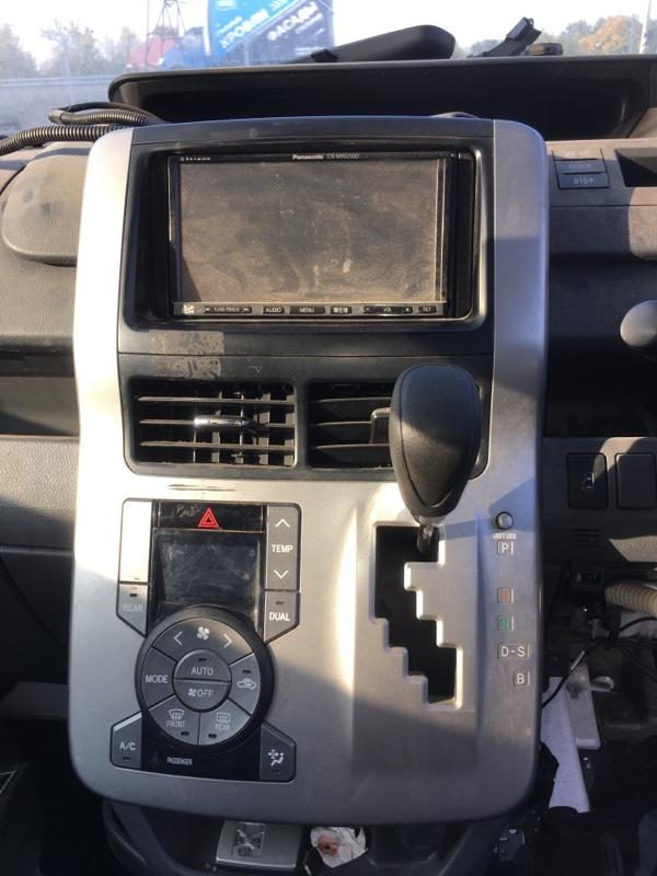 Панель климат-контроля Toyota Noah ZRR70G 3ZR FE 2007 передний (б/у)