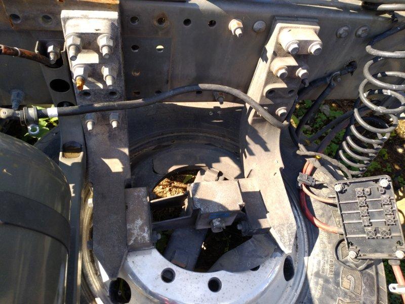 Крепление запасного колеса Volvo Fh12 D12D420 2004 (б/у)