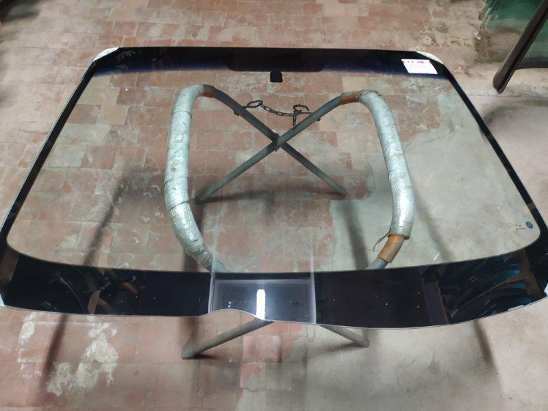 Стекло лобовое Mazda 6 2002