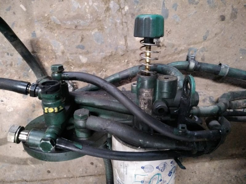Кронштейн топливного фильтра Volvo Fh12 D13B 2002 (б/у)