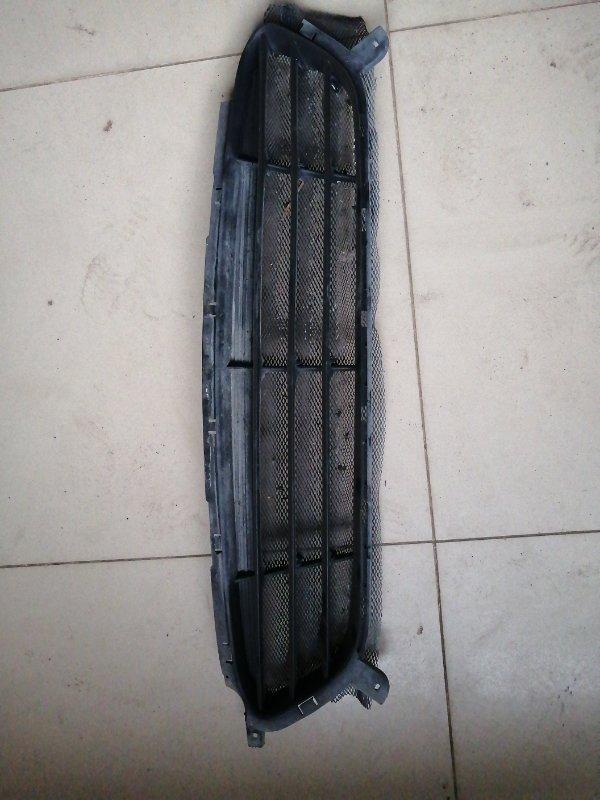 Решетка в бампер Hyundai Solaris СЕДАН W09G 2013 (б/у)