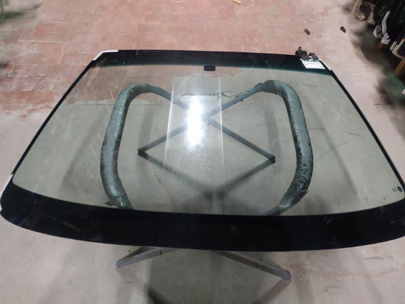 Стекло лобовое Honda Accord Iv 1989