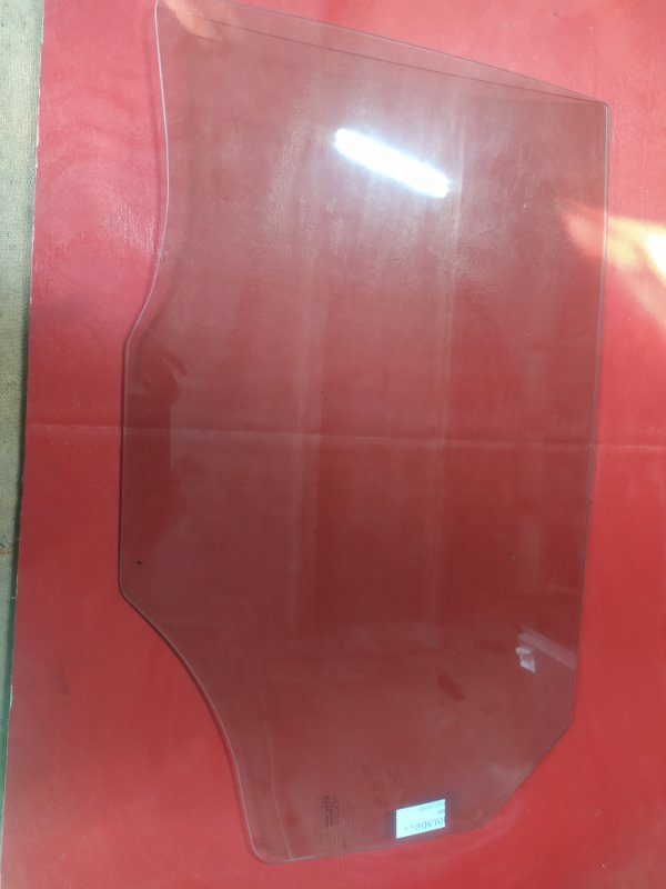 Стекло двери Hyundai Ix35 2010 заднее левое
