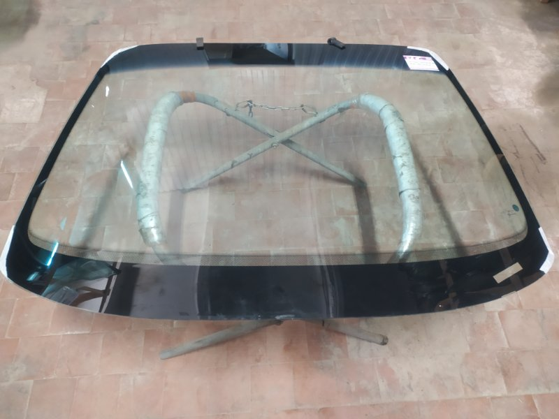 Стекло лобовое Opel Omega B 1994