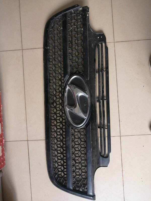 Решетка радиатора Hyundai Hd500 (б/у)