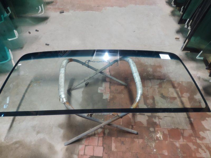 Стекло лобовое Mazda Titan 2000