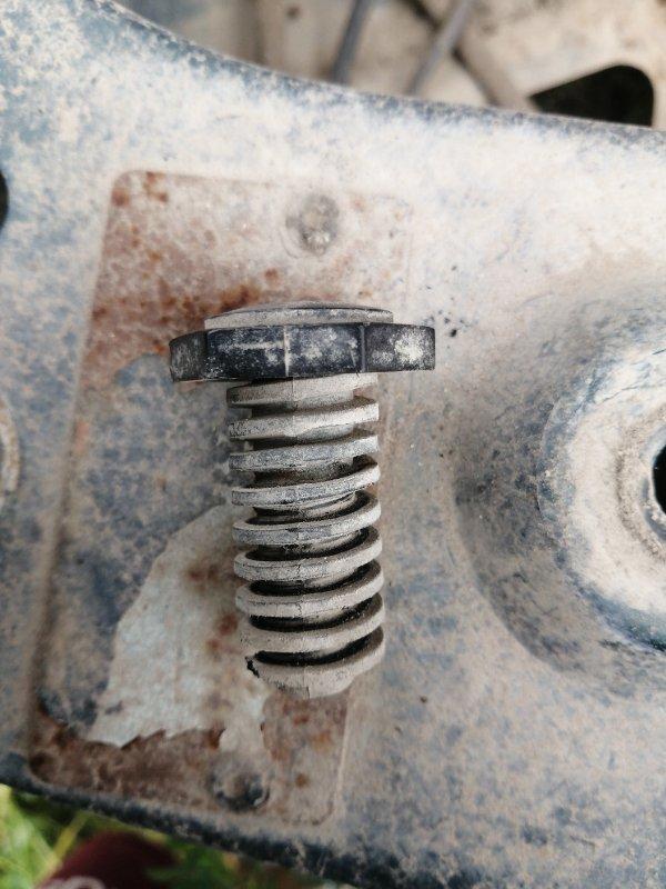 Резина Jeep Zg Grand Cherokee (Steyr) ZJ MAGNUM 318 1998 (б/у)
