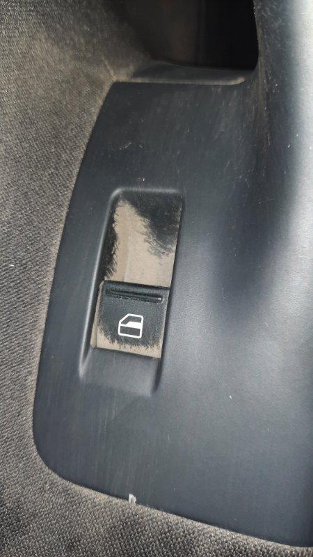 Кнопка стеклоподъемника Volkswagen Jetta V BLG 2005 передняя левая (б/у)
