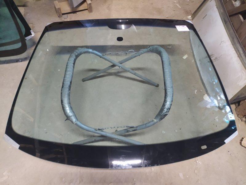 Стекло лобовое Peugeot 3008 2009