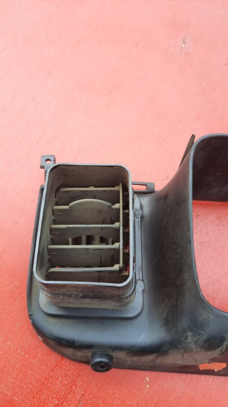 Дефлектор обдува Jeep Zg Grand Cherokee (Steyr) ZJ MAGNUM 318 1998 (б/у)