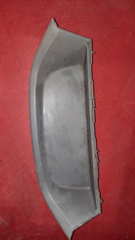 Пластик салона Toyota Noah AZR60 1AZ FE 2001 (б/у)