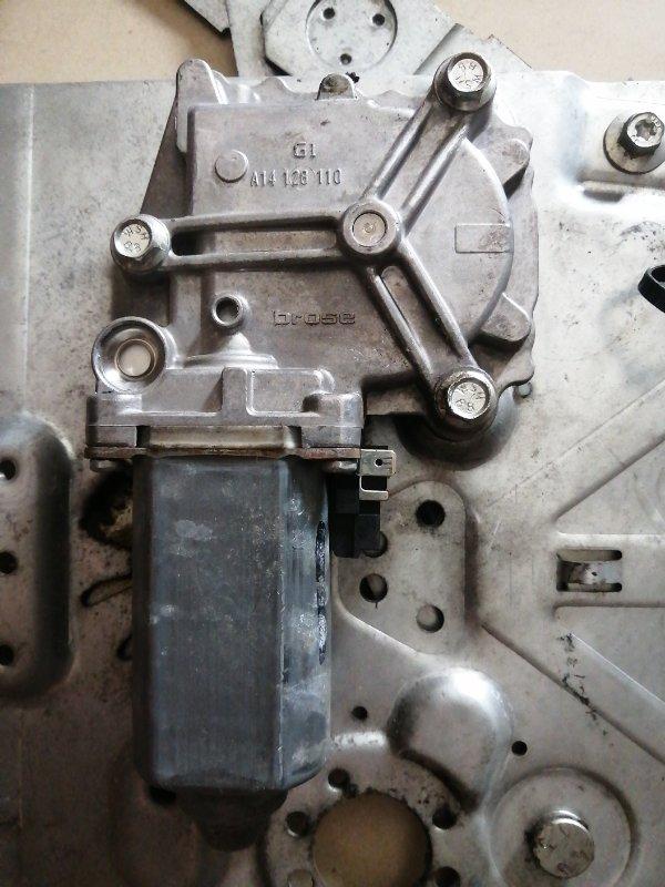 Мотор стеклоподъемника Volvo Fh12 D12D420 2004 правый (б/у)