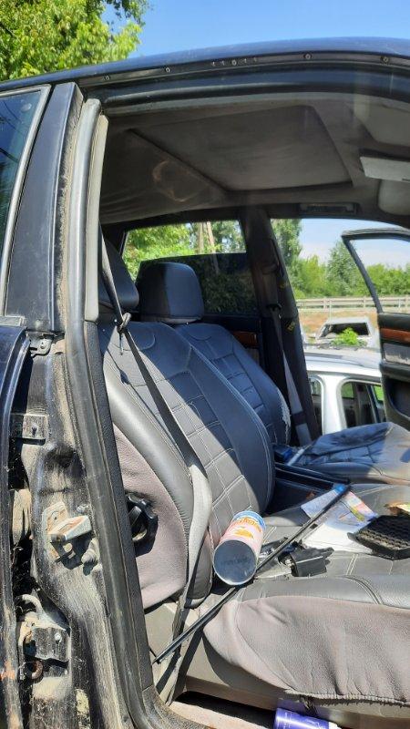 Уплотнительная резинка двери Audi A100 4A2 AAH 1990 передняя правая (б/у)