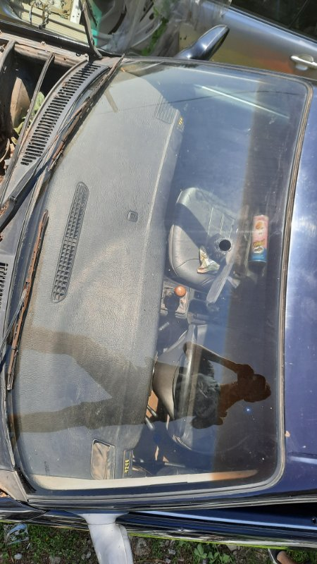 Стекло лобовое Audi A100 4A2 AAH 1990 переднее (б/у)