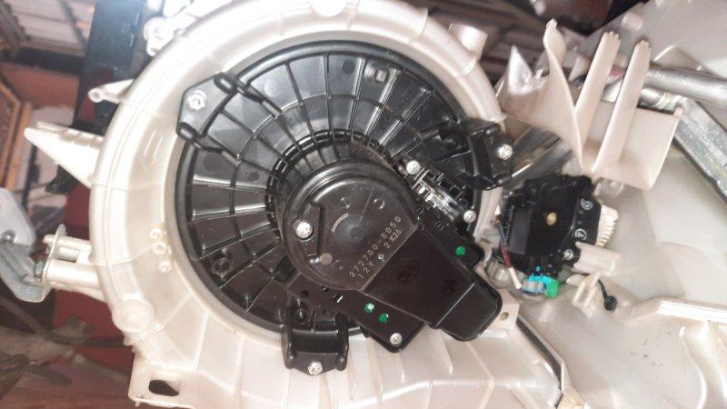 Мотор печки отопителя салона (org) Toyota Noah ZRR70G 3ZR FE 2007 (б/у)