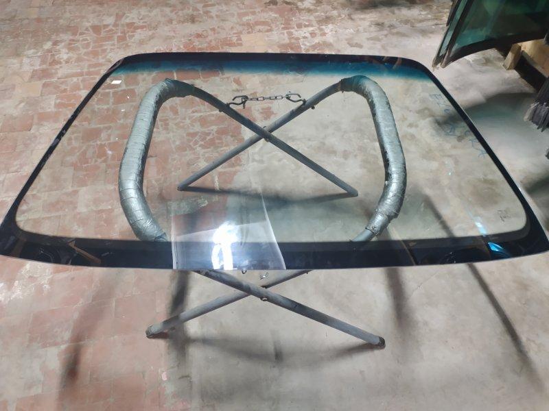 Стекло лобовое Hyundai Elantra 1991