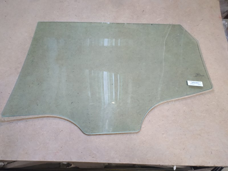 Стекло двери Hyundai Santa Fe Iii 2012 заднее правое