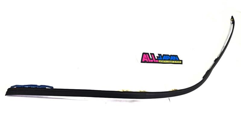 Молдинг крыши Subaru Impreza GD 2000 правый верхний (б/у)