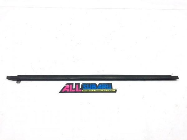Молдинг бокового стекла Subaru Impreza Wrx Sti GD 2000 передний правый (б/у)