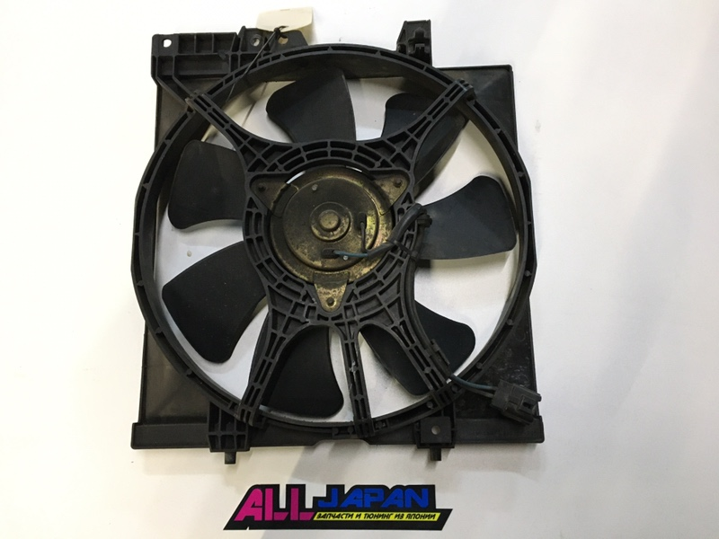Вентилятор охлаждения двигателя Subaru Forester SF EJ205 1996 правый (б/у)