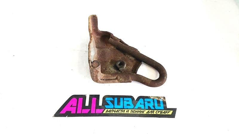 Буксировочный крюк Subaru Forester SF 1998 задний правый (б/у)