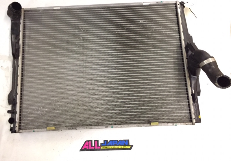 Радиатор охлаждения двигателя Bmw 3-Series E90 2004 передний (б/у)