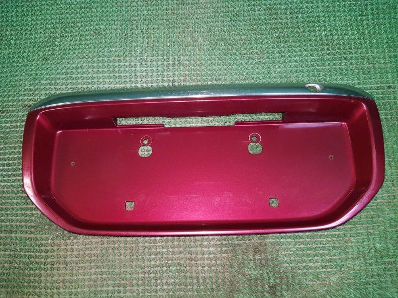 Накладка багажника Toyota Ipsum SXM10 задняя (б/у)