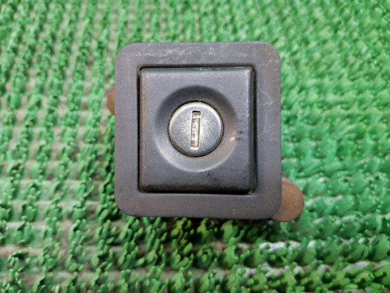 Замок багажника Volkswagen Passat 2 B3 AAA (б/у)