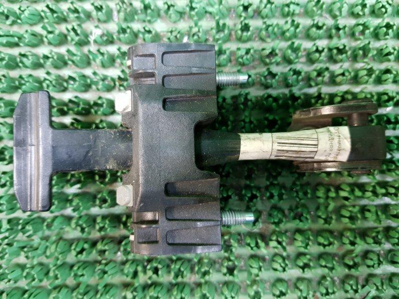 Ограничитель двери Peugeot 407 6D_ RFN 2004 передний левый (б/у)