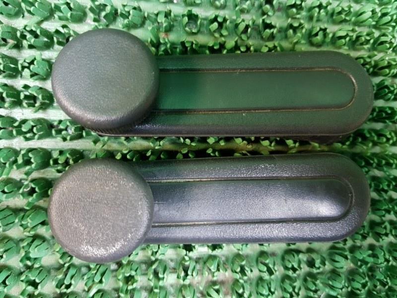 Ручка стеклоподъемника Toyota Corolla 9 E120 4ZZFE 2000 (б/у)