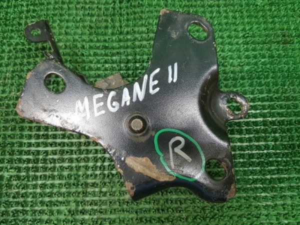 Кронштейн Renault Megane 2 KM0/1_ K9K 732 2003 задний правый (б/у)