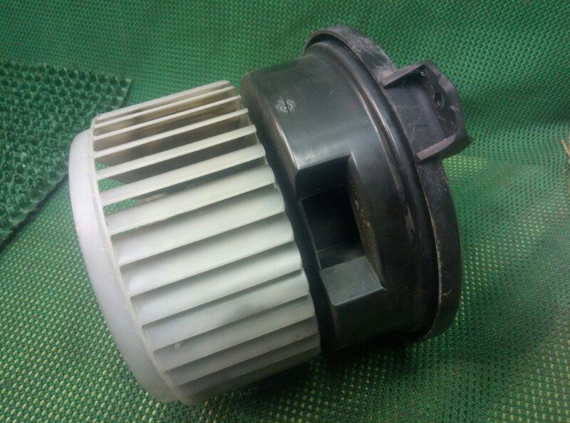Мотор печки Toyota Sequoia UCK60 2UZFE задний (б/у)