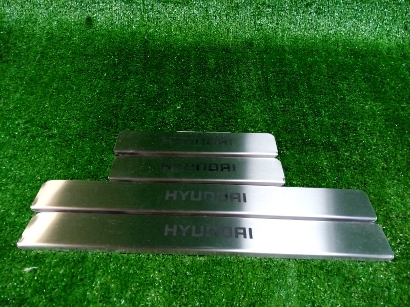 Комплект накладок порогов Hyundai Solaris RB