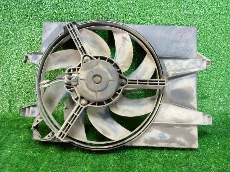 Вентилятор радиатора Ford Fusion CBK FYJA 2005 (б/у)