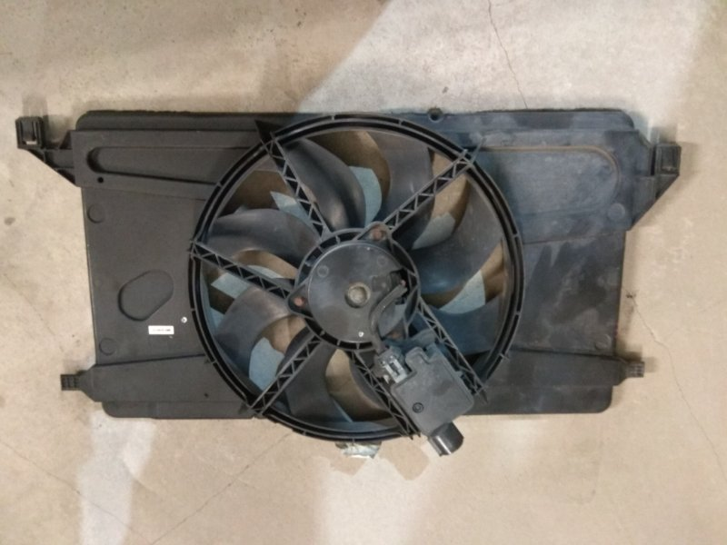 Диффузор вентилятора Ford Focus 2 08-11 SHDA 2009 (б/у)