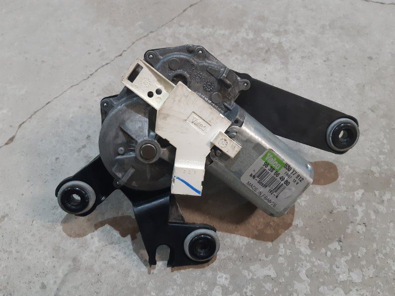 Моторчик стеклоочистителя Peugeot 206 KFW 2004 задний (б/у)
