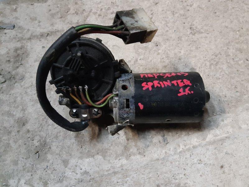 Моторчик стеклоочистителя Mercedes-Benz Spinter 2.2 611987 2002 передний (б/у)