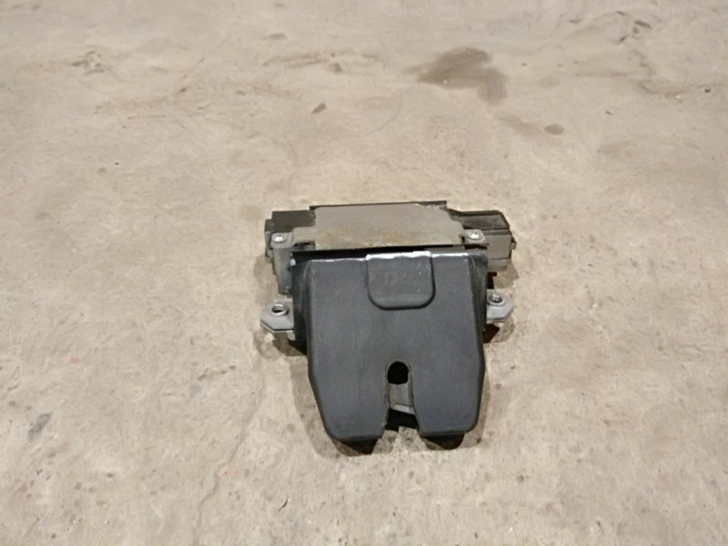 Замок багажника Ford Focus 2 05-07 (б/у)
