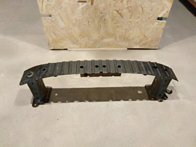 Усилитель бампера Ford Focus 2 05-07 2.0 2006 передний (б/у)