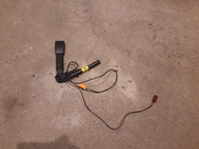 Преднатяжитель ремня безопасности Ford Focus 2 05-07 1 2007 левый (б/у)